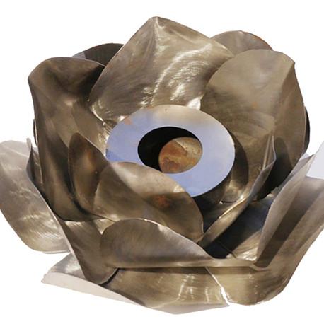 Rose en métal pour remplir avec pâte combustible