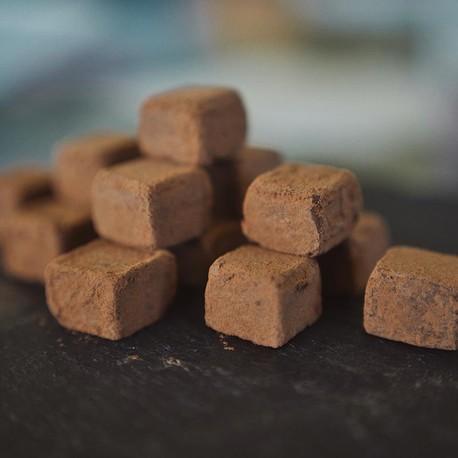 «Pflastersteine» – Pralinés aus biologischen Zutaten